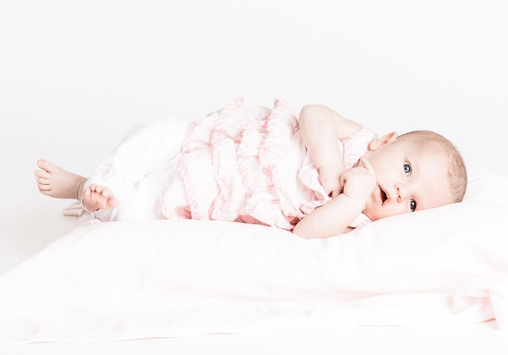 new born babyfoto, fotografiert von Fotograf in Fotostudio Wetzikon