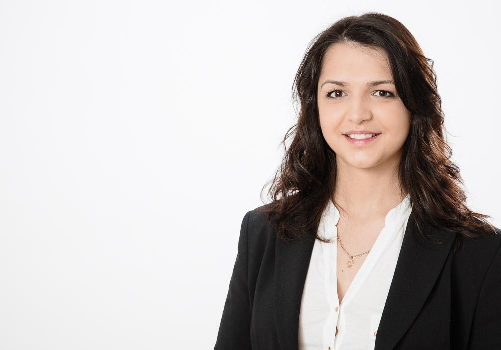 Bewerbungsfoto-Business Frau, fotografiert vom Fotograf/Fotostudio