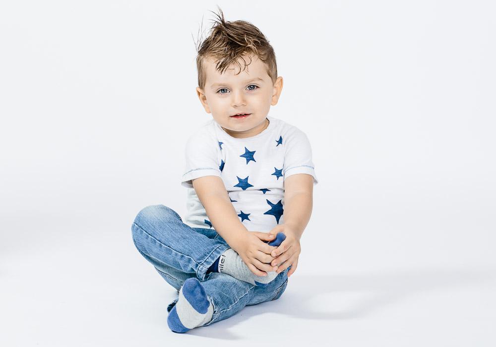 Babyfoto von Junge, fotografiert vom Fotograf/Fotostudio