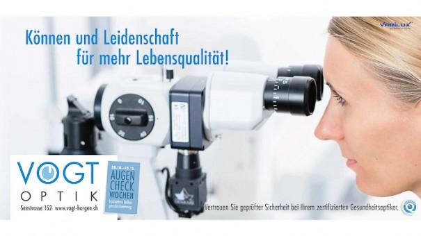 Plakatkampagne, Portraitfotos von Frau mit Mikroskop, fotografiert vom Fotograf/Fotostudio
